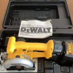 Photo DeWalt DW936 Cordless Trim Saw Kit - $100 (Frederick)