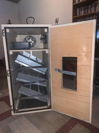 Photo Dickey39s Cabinet Incubator - $350