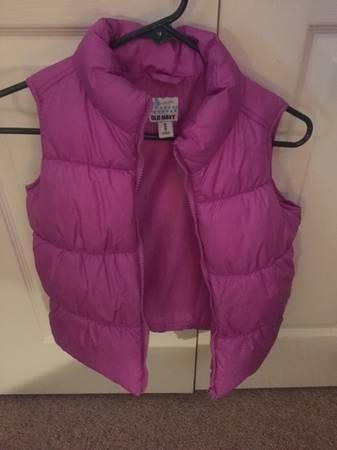 Photo Girls Old Navy Puffer Vest Jacket - $15 (Urbana)