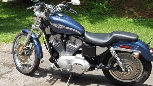 Photo Harley Davidson XL883 Custom 100th Anniversary Edition - $3,500 (Fairfax City)