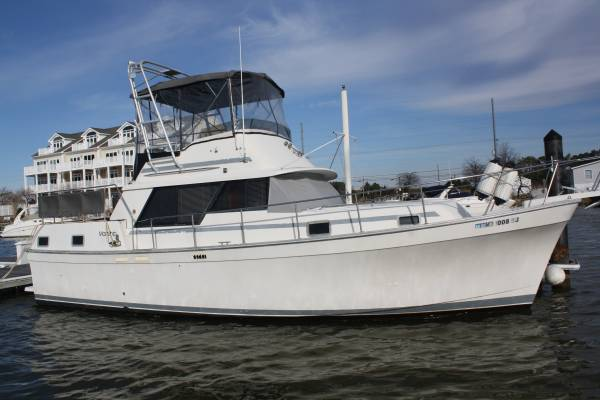 Photo Mainship 36 AFT cabin - $12,500 (Middletown)