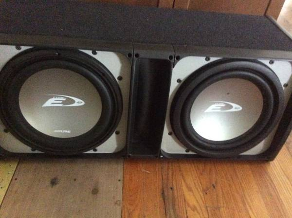 Photo ROCKFORD FOSGATE AMPS AND ALPINE SUBWOOFER - $400 (Middletown md)