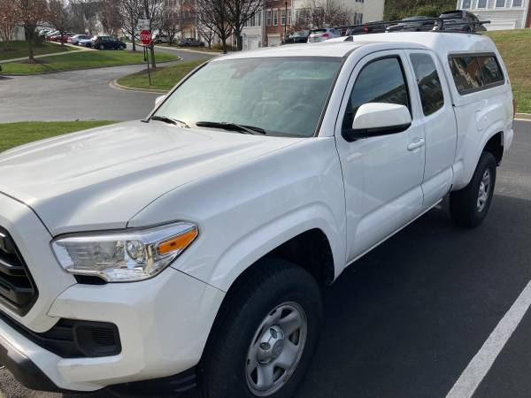 Photo Toyota Tacoma 4W SR Access cab 4Cyl. - $26,500 (Frederick)