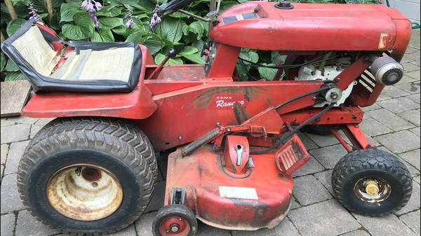 Photo Vintage Wheel Horse Lawn Ranger Riding Tractor (Frederick md)