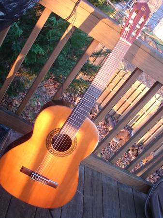 Photo Vintage Yamaha G-85A Classical guitar MIJ - $180 (md)