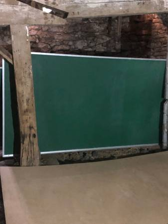 Photo very large wall mounted chalkboard - $75 (NEW MARKET)