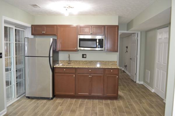Photo $1,000  1 BR  440sqf  Basement apartment for Rent (Stafford) (Stafford)
