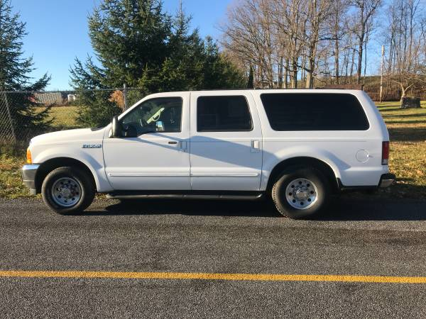Photo 2000 Ford Excursion XLT Leather - $5,995 (Somerset, PA.)