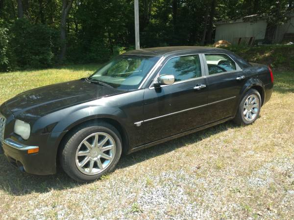 Photo 2006 Chrysler 300C, 5.7 Hemi, 1-Owner - $2,450 (California, MD)