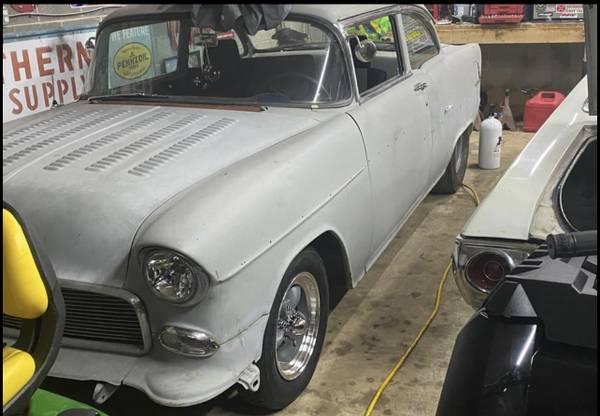 Photo 55 Chevy parts , louvered hood, roof visor etc - $1 (Lake Anna)