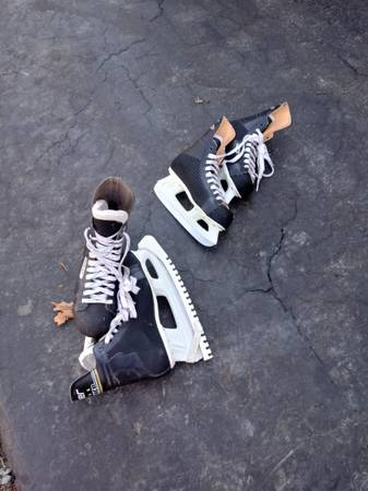 Photo BAUER ICE SKATES - $50 (Locust Grove)