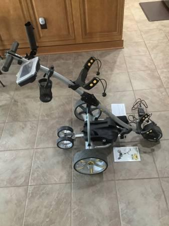 Photo Bat Caddy X3R Remote Control Golf Caddy with Lithium Battery - $1,000 (stafford)