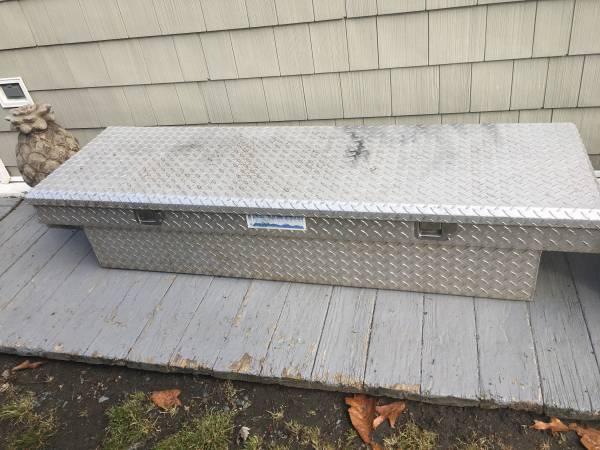 Photo Better Built diamond plate truck tool box - $150 (Stafford)