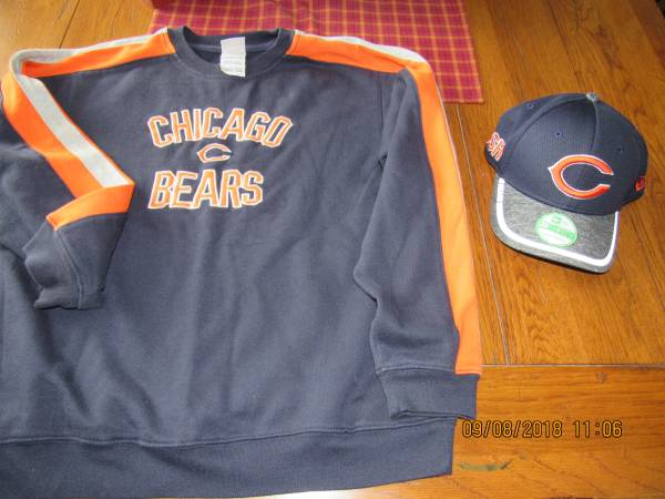 Photo Chicago Bears Youth Large (1416) Sweatshirt and NEW Hat - $10 (Spotsylvania)