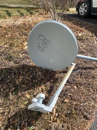 Photo Dish Network Dish Plus - $100 (Stafford)