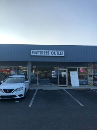 Photo HALLOWEEN-BLACK FRIDAY MATTRESS CLEARANCE SALE - $129 (FREDERICKSBURG)