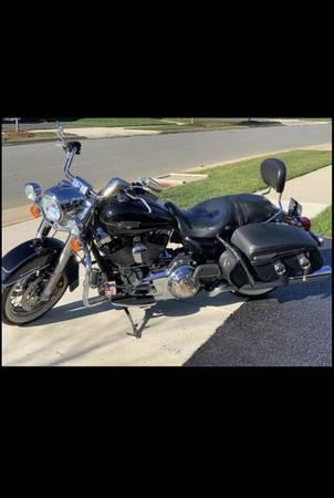 Photo Harley Davidson Road King Classic 2012 - $11,500 (Stafford)