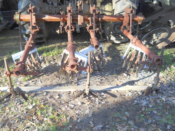 Photo Lilliston 2 row rolling cultivator - $650 (Chocowinity)