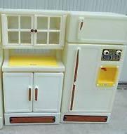 Photo Little Tikes Vintage Kitchen -- Pantry, Fridge, Oven - $60 (Spotsylvania)