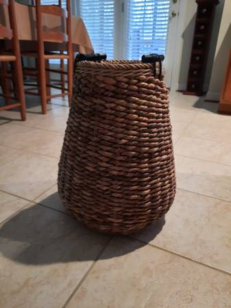 Photo Pier One large basket - $20 (Stafford)
