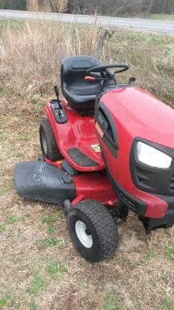 Photo Riding mower Craftsman 21 horsepower 46-inch cut - $1,000 (Fredericksburg)