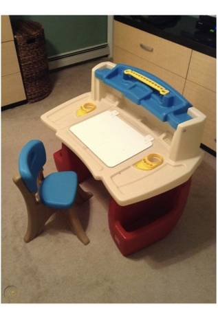 Photo Step 2 Desk  Chair  Art Easel  Homeschooling Desk - $50 (Spotsylvania)