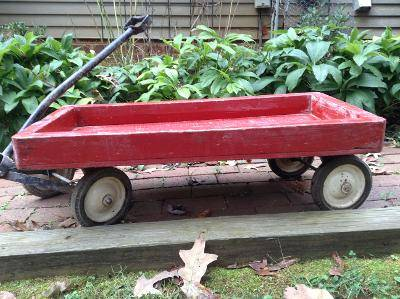 Photo Vintage Little Red Wagon - $30 (Northern Albemarle)