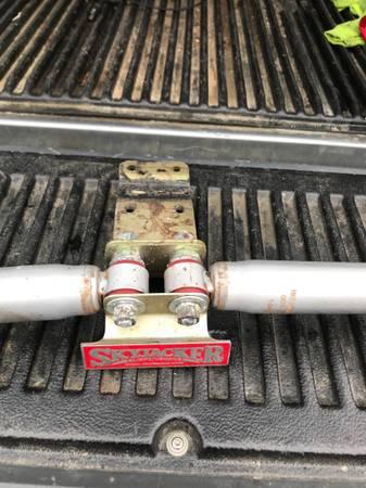 Photo Wrangler JK dual steering stabilizer - $30 (fredericksburg)