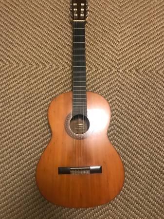 Photo Yamaha G-170A Classical Guitar Vintage - $300 (Fredericksburg)