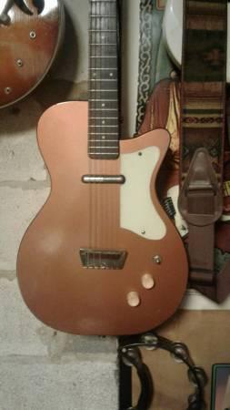 Photo vintage silvertone guitars - $1000
