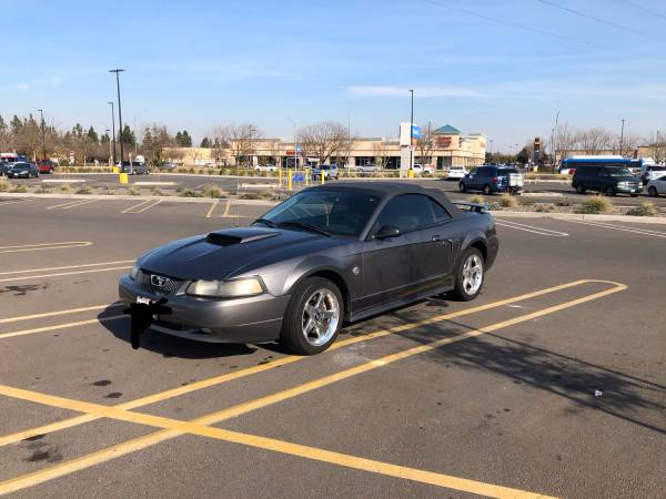 Photo 04 Mustang GT Convertible 40th Anniversary Addition - $4600 (Fresno)