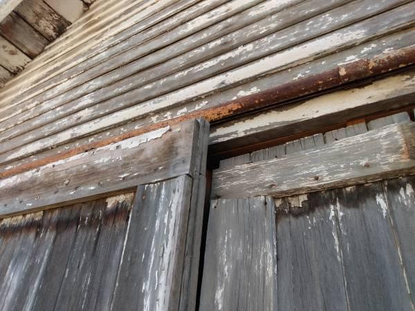 Photo 193039s sliding Barn Doors w hardware - $300 (Sanger)