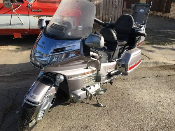 Photo 1999 Honda Goldwing Anniversary Bike 40k miles - $2,850 (Firebaugh)