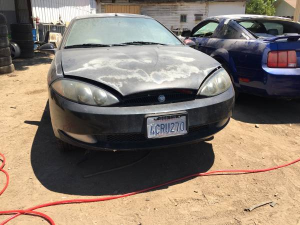 Photo 1999 Mercury Cougar parts only