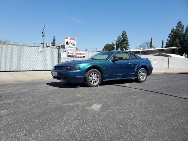Photo 2000 Ford Mustang - $2,800 (Clovis)