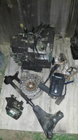 Photo 2000 acura integra automatic transmission an parts - $120 (caruthers)