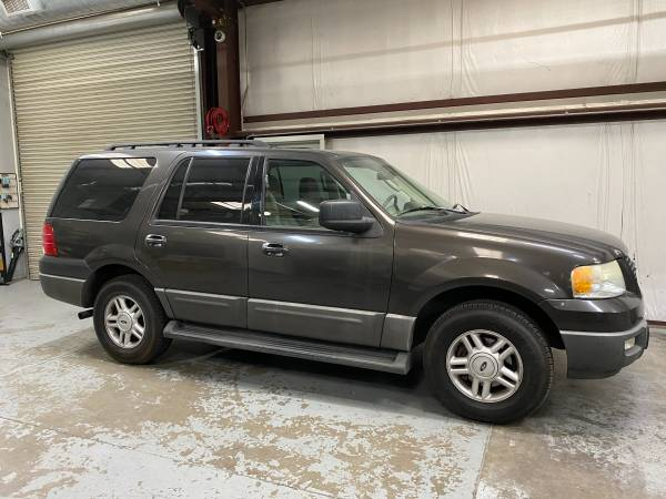 Photo 2005 Ford Expedition 5.4L, V8, 2wd, 3rd Row Seat, Low Miles, Tow Pkg - $6,450 (www.shawsautosales.com)