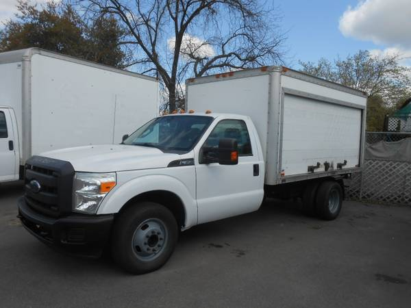 Photo 2012 Ford F-350 SIDE OPENING BOX TRUCK - $17,995 (OAKDALE)