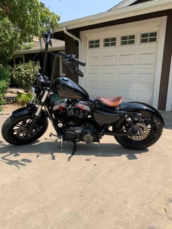 Photo 2016 Harley Davidson sportster 48 - $11,000 (Reedley)