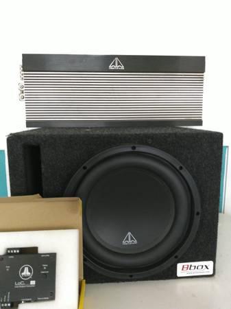 Photo Addictive Audio 10quot subwoofer, 1000 watt lifier, jl lone output co, - $600 (Fresno)