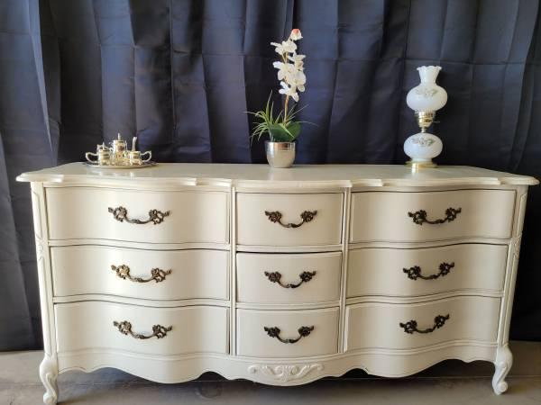 Photo Beautiful Antique Long Dresser (White) - $399 (Fresno)