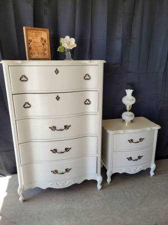 Photo Beautiful Antique Tall Dresser and Nightstand (White) - $399 (Fresno)