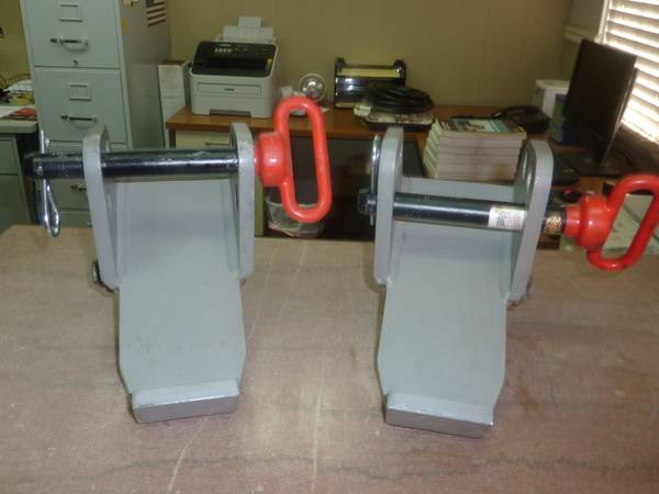 Photo Heavy and medium duty tow truck spring hangers - $500 (Fresno)