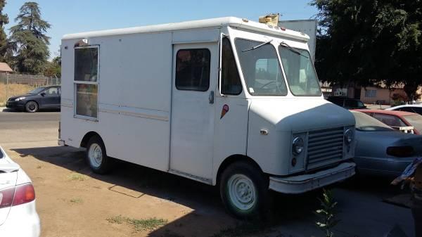 Photo Ice Cream Van (1979 Step Van) Diesel Motor Deutz - $7,000 (Dinuba)