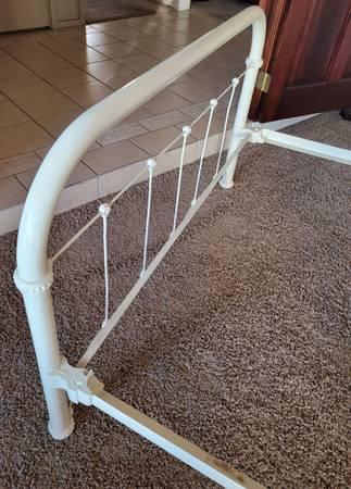Photo Iron Full Size Bed Frame - $125 (Northeast Fresno)