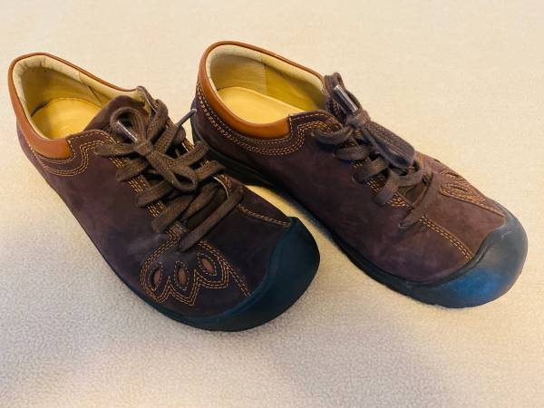 Photo Keen Barika Leather Womens Shoes  Size 7 - $40 (Kingsburg)