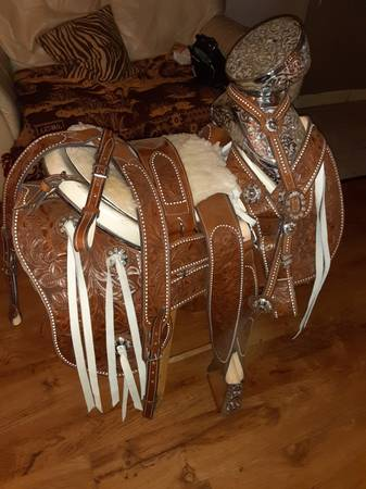 Photo Mexican horse saddle for sale - $1500