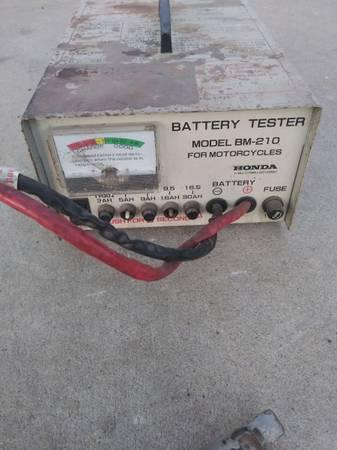 Photo Motorcycle battery tester Honda model BM-210 - $60 (Fresno)