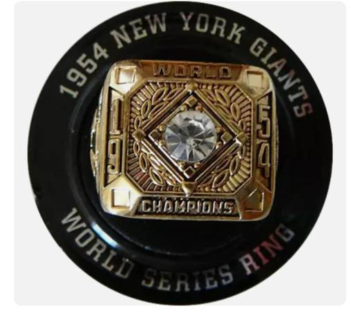 Photo New 1954 New York Giants World Series Replica Ring - $12 (Clovis)