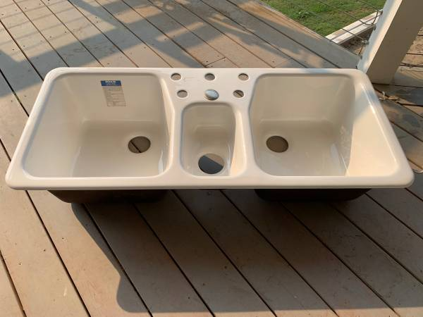 Photo New Cast iron 48 sink - $350 (Fresno)